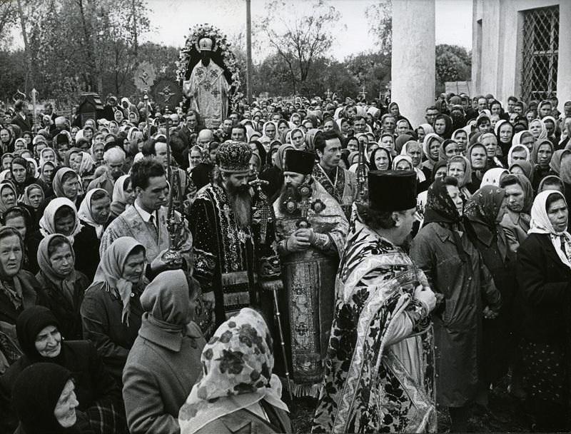 Крестный ход с чтимым образом Свт. Николая Можайского. 1965г.