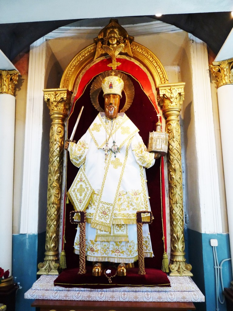 Древний резной образ Святителя Николая